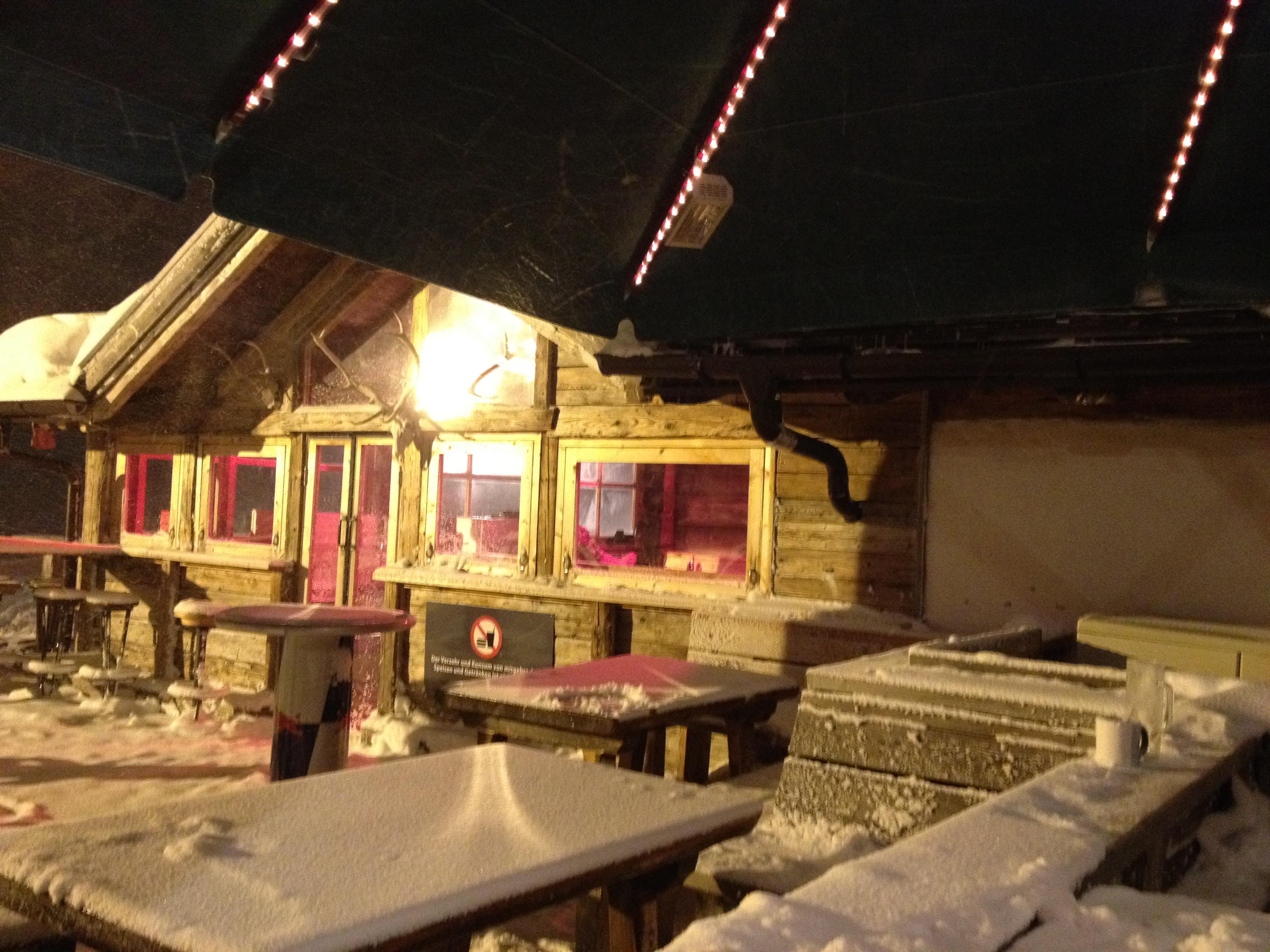 Die Edelweissalm in Obertauern im Schneesturm